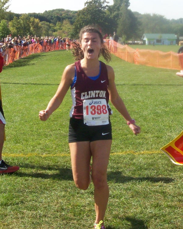 Image of the Dave D'Alessandro Girls Varsity race winner Gab Dewhurst from Clinton